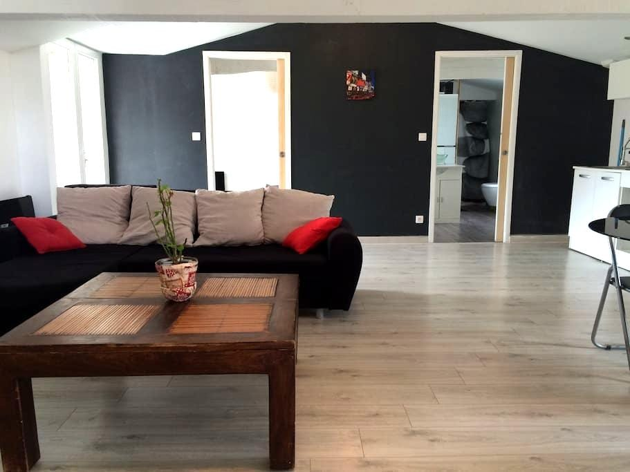 Appartement de 60 m2 bien situé - Saintes - อพาร์ทเมนท์