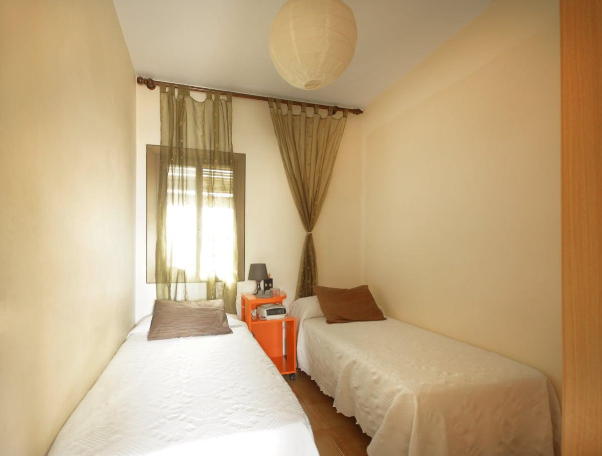 Beautiul triple or double bedroom