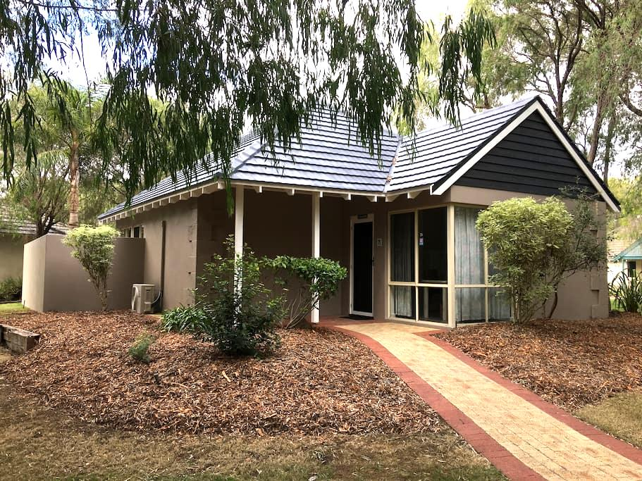 Studio Villa - Broadwater - Casa de campo