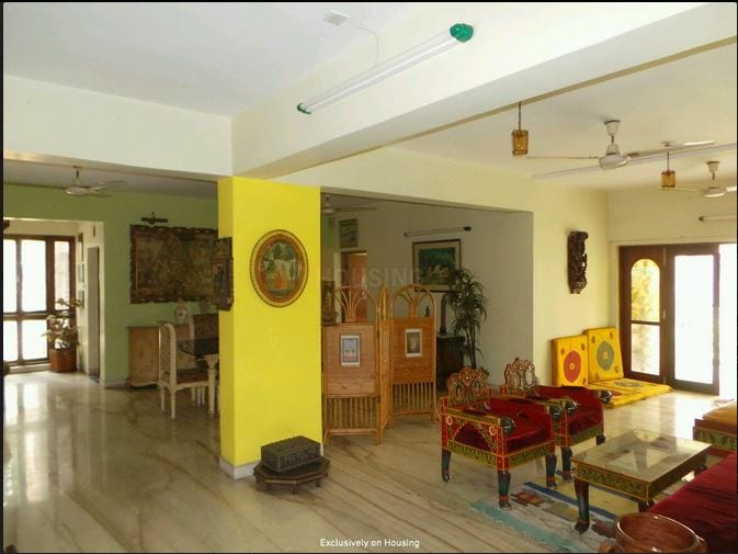 Cozy 3 BHK with Parking