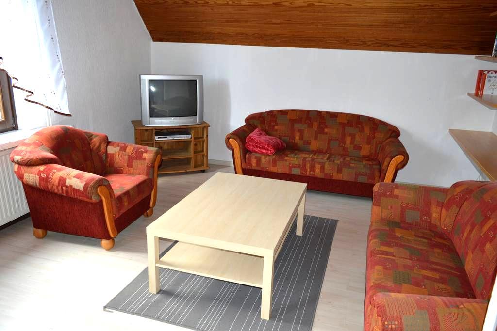 Schöne großzügige Ferienwohnung - Scheeßel - Apartamento