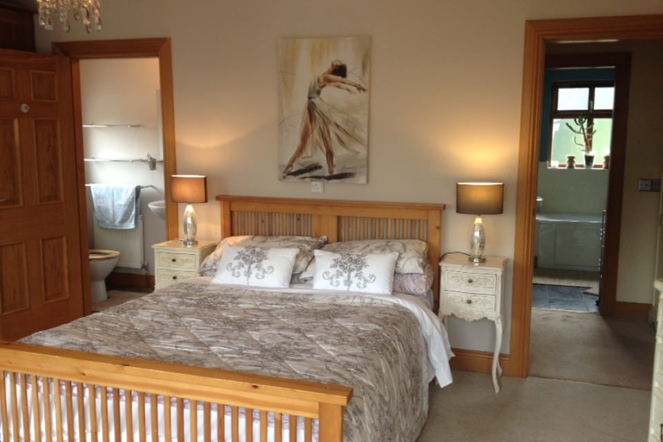 Double bed with ensuite bathroom