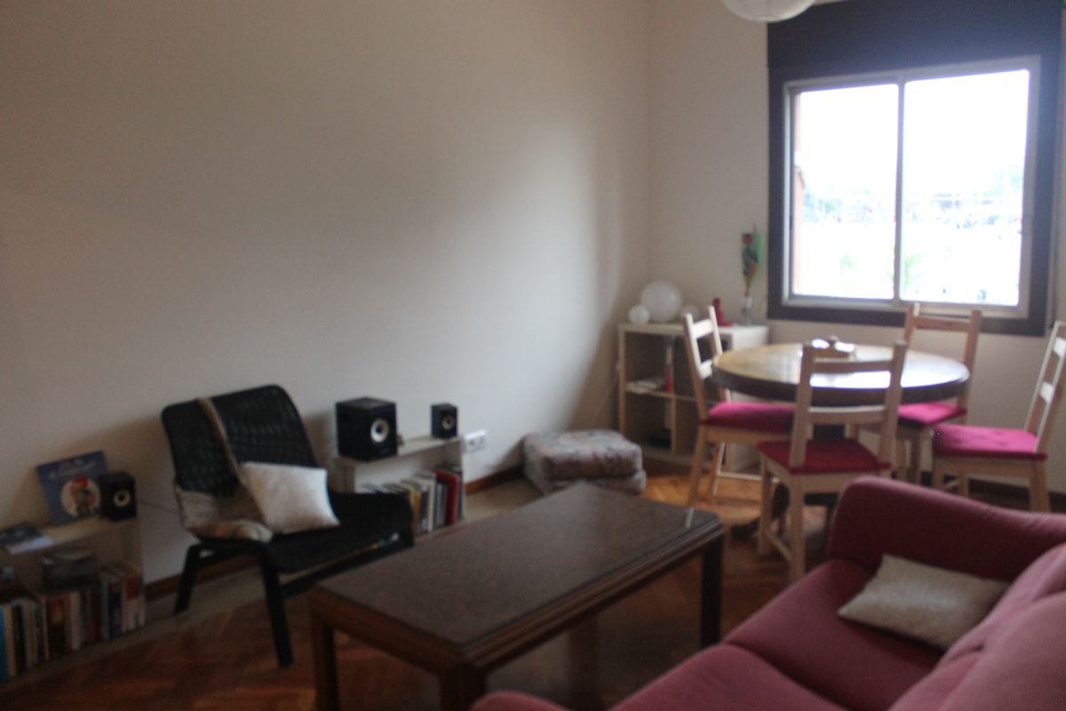 Two Comfortable Rooms in Poblenou