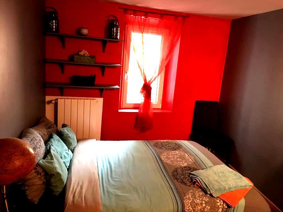 Chambre spacieuse dans duplex - Solliès-Pont - Maison de ville
