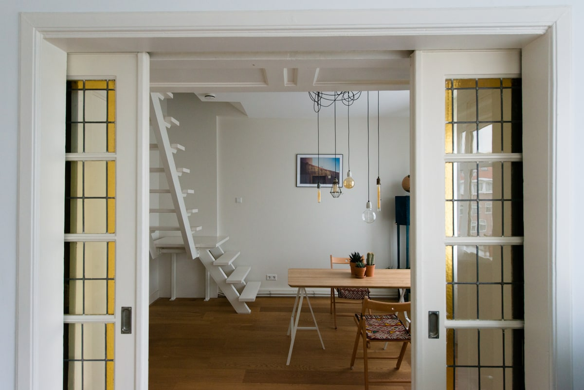 Bright apartment with 2 bikes