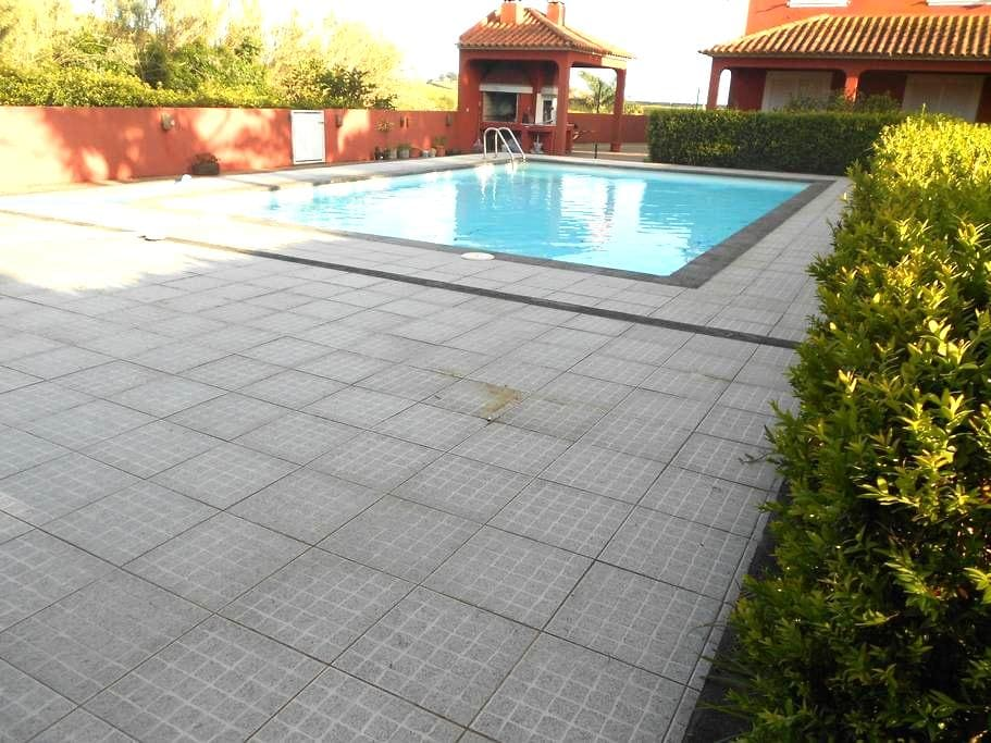 Rooms with pool and garden - Lagoa
