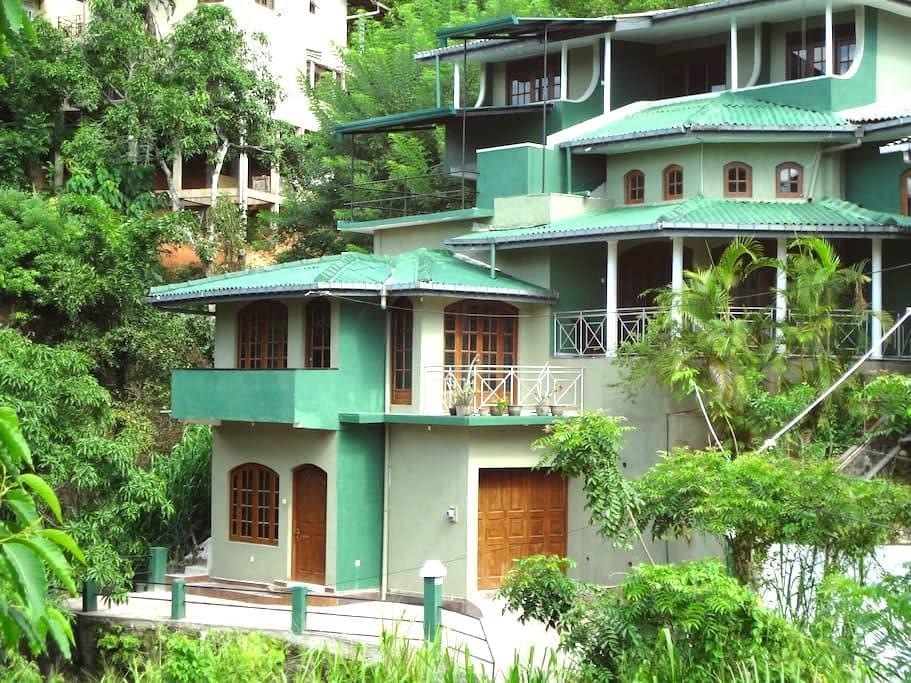 top 20 holiday lettings yatiwawala katugastota sri lanka holiday rentals apartments. Black Bedroom Furniture Sets. Home Design Ideas