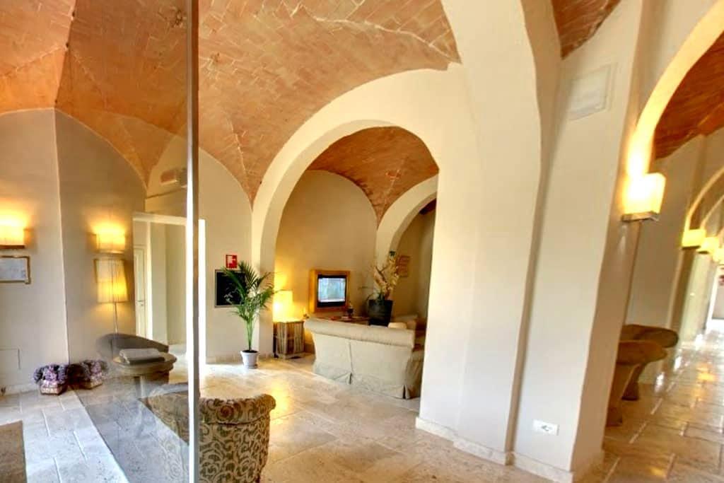 Vacanze in Toscana - Certaldo - Wikt i opierunek