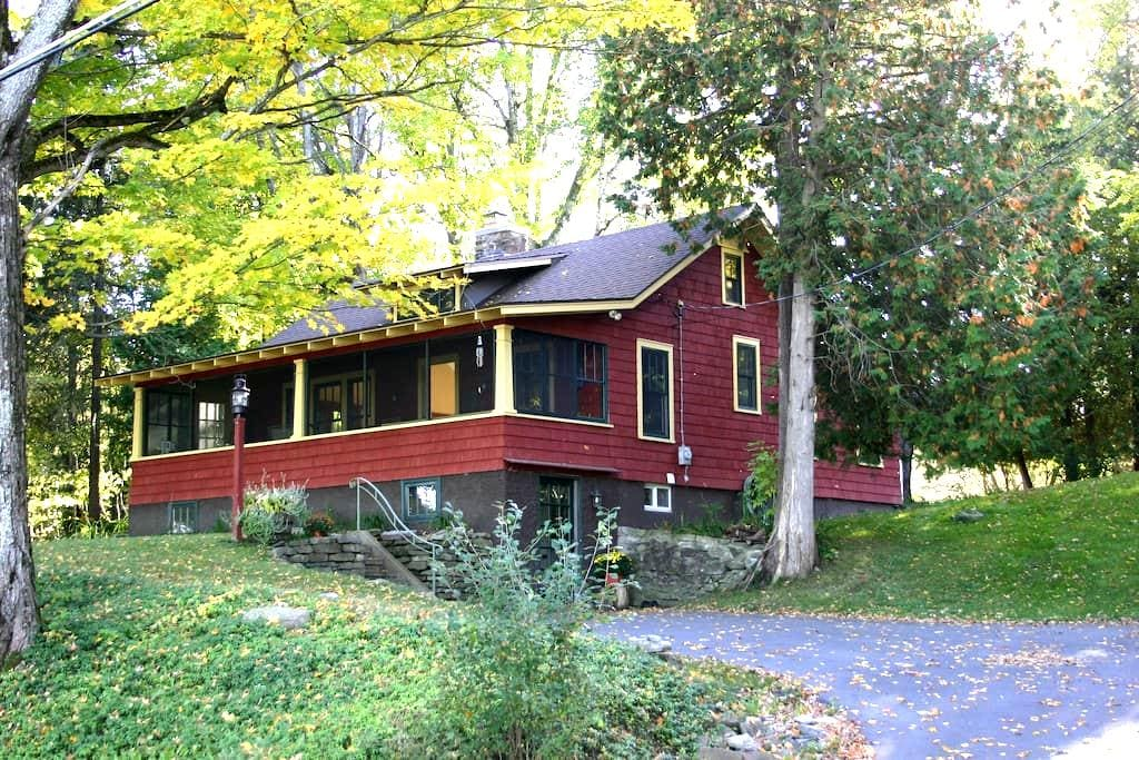 Cedar Lake Cottage - Clayville - Ház