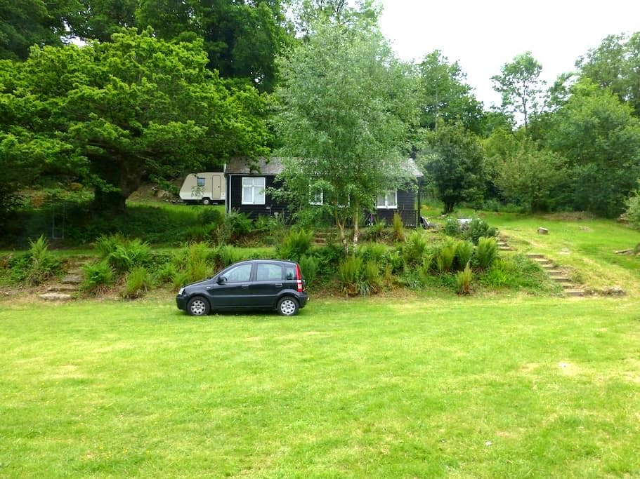Woodland Cabin with Caravan - Lustleigh