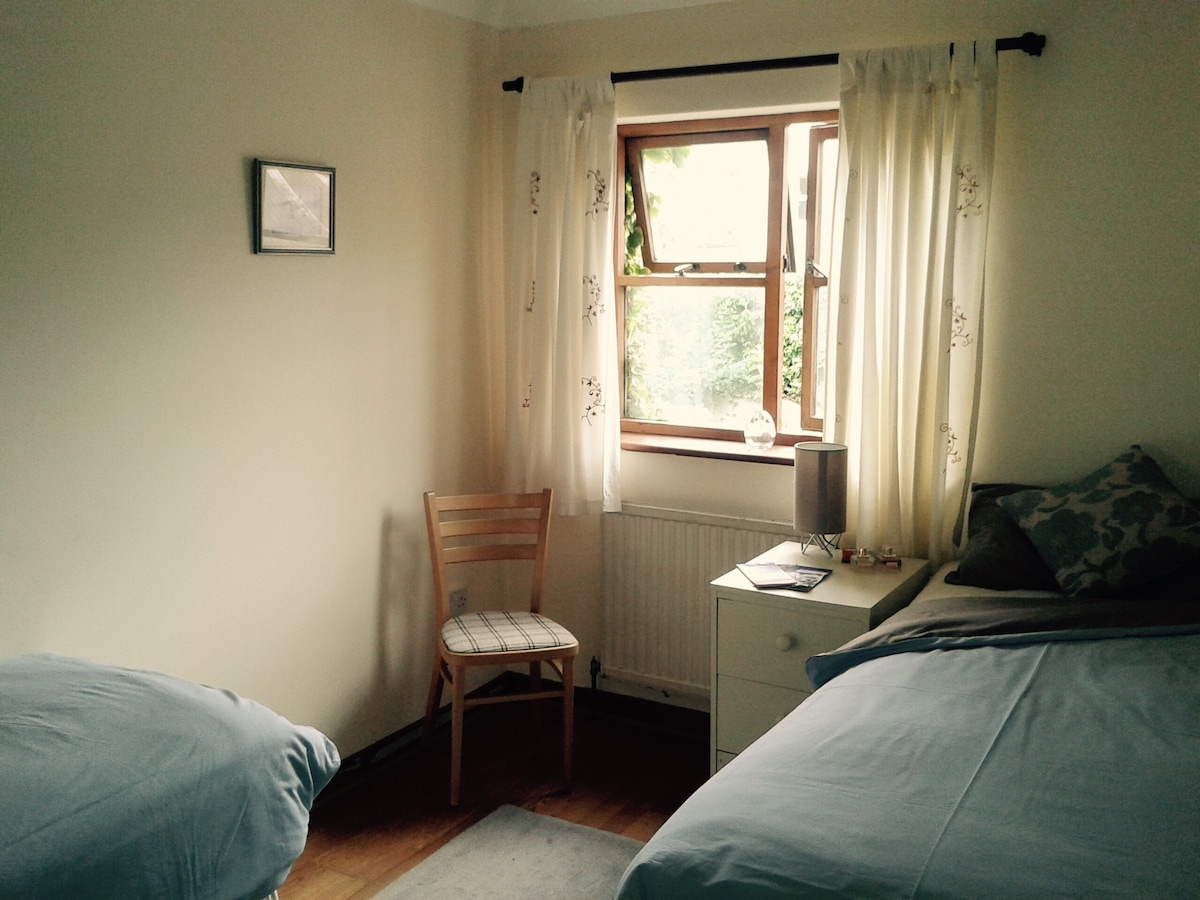 Short term rooms available flexible