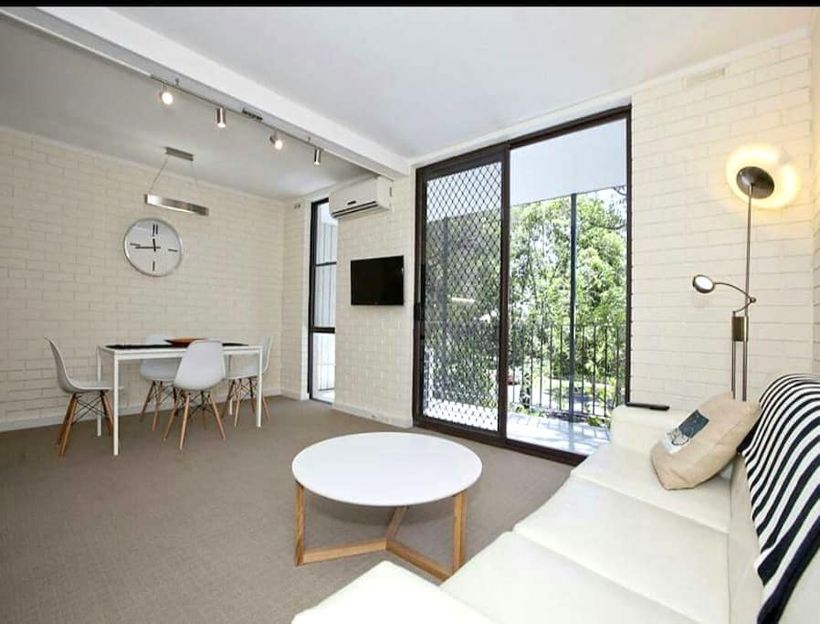 Sunny 2bed, leafy view & carspace - Mount Lawley - Appartement