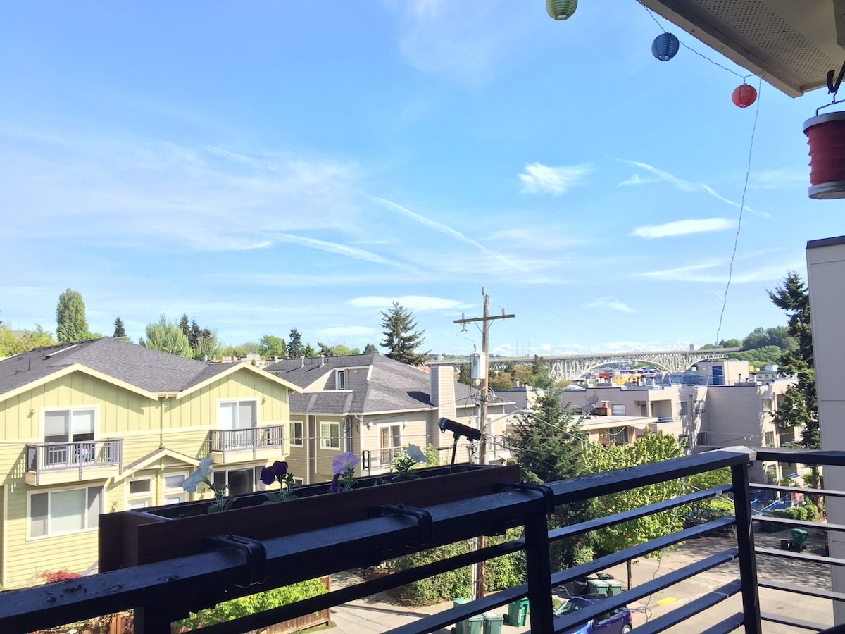 Lovely 2BD  in Fremont, Seattle