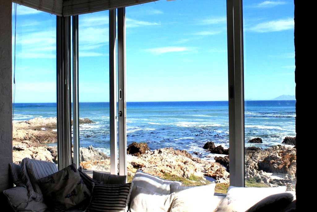 Beautiful Seafront Beach House - De Kelders - Dom