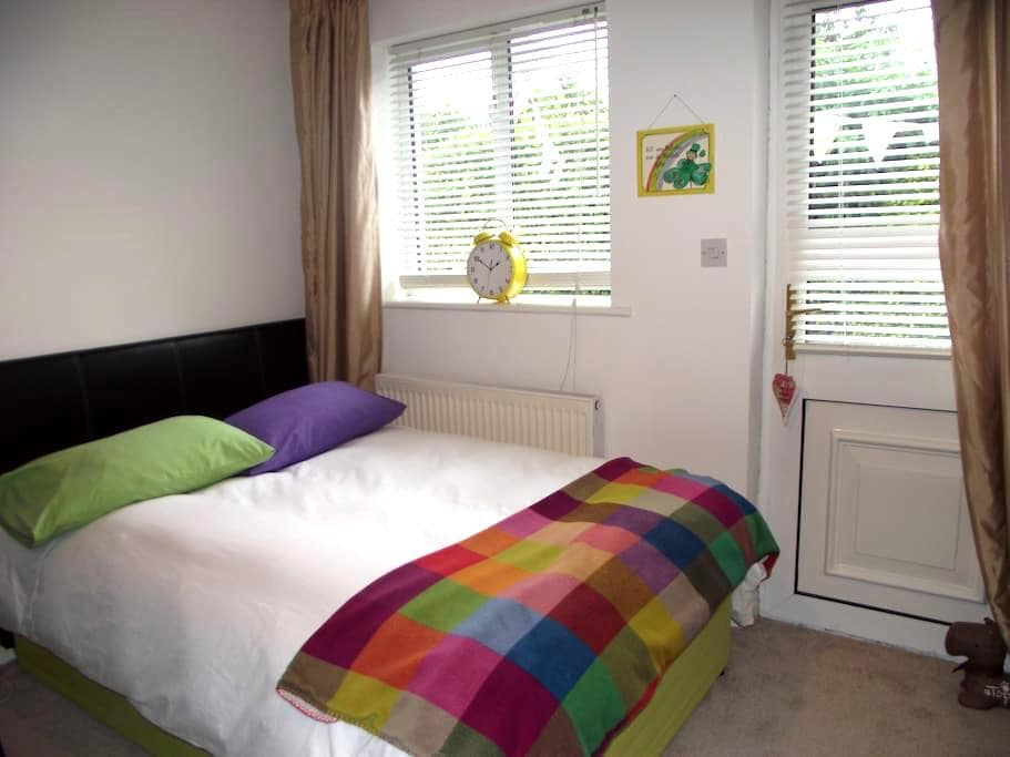 Bright Room for 3 people - Kilbarrack - บ้าน