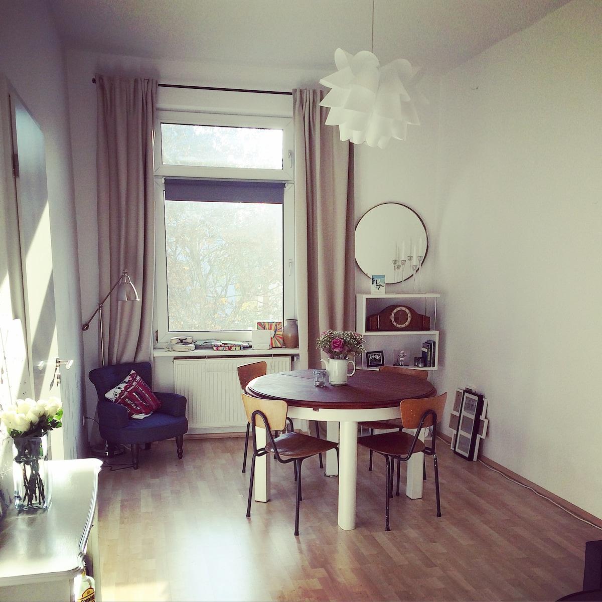 Gorgeous central retro apartment