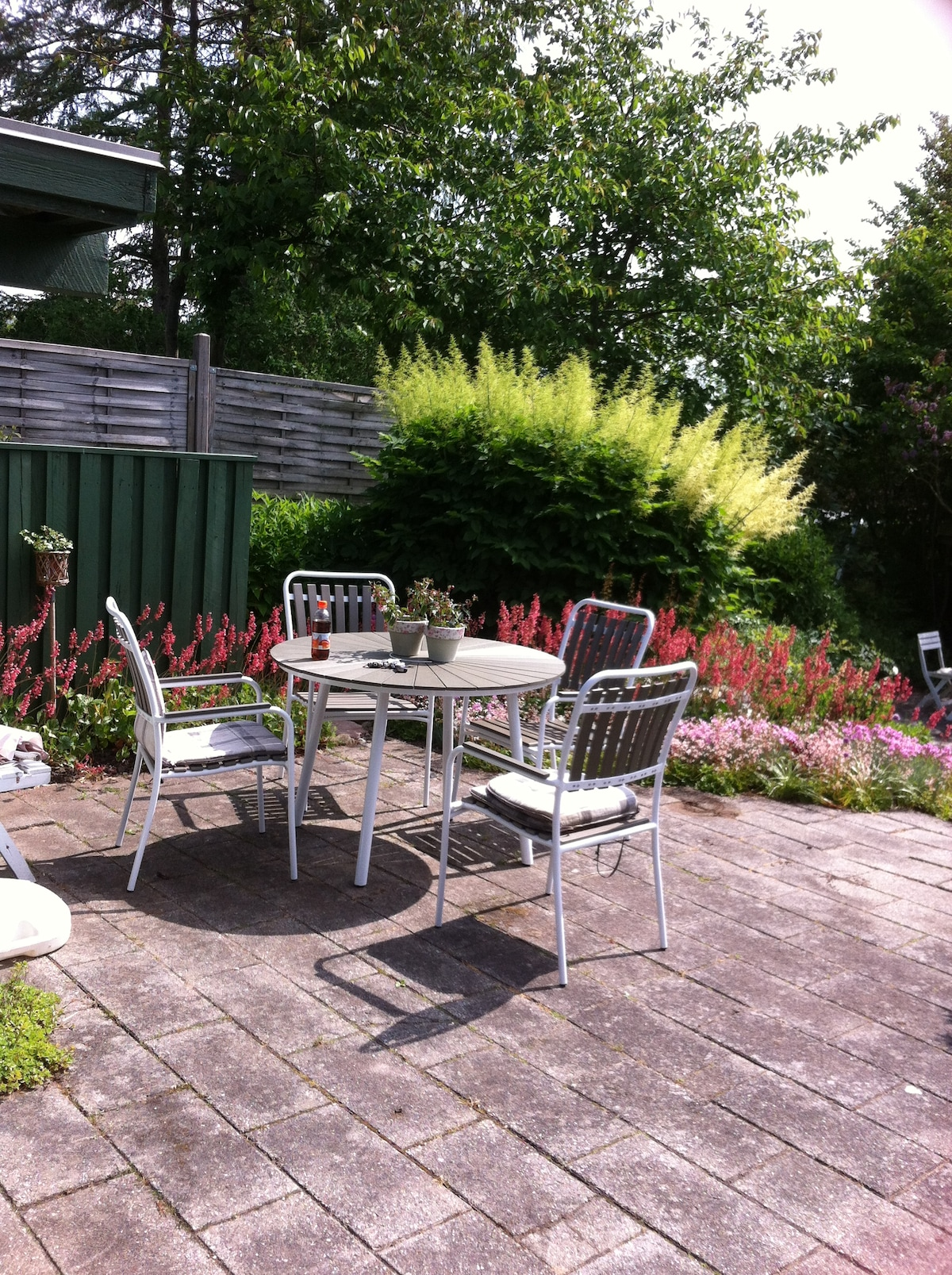 Cosy villa with lovely garden