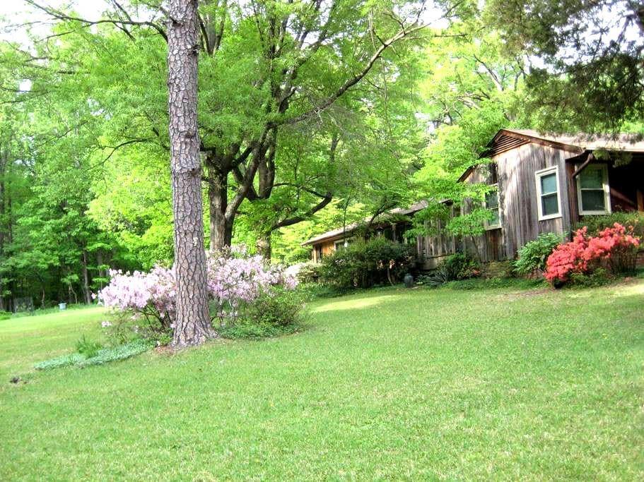 West Greensboro Granny Apartment - Greensboro - Lejlighed