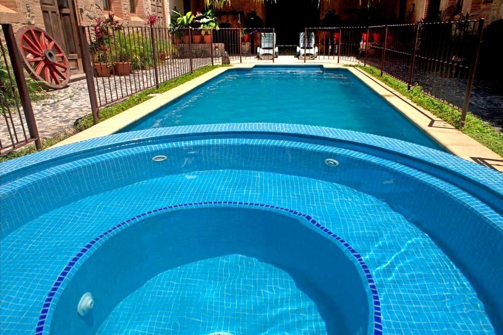 Exquisite Home w/pool (FREE NIGHT) - Espiritu Sto. - Antigua Guatemala - House