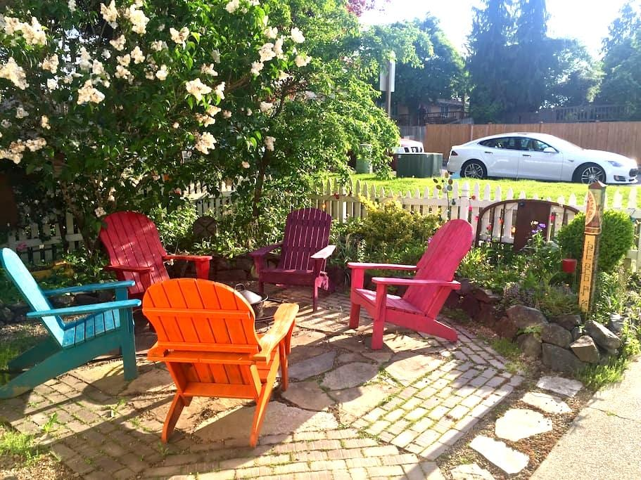 Cheery & Whimsical Sanctuary - Kent - Daire