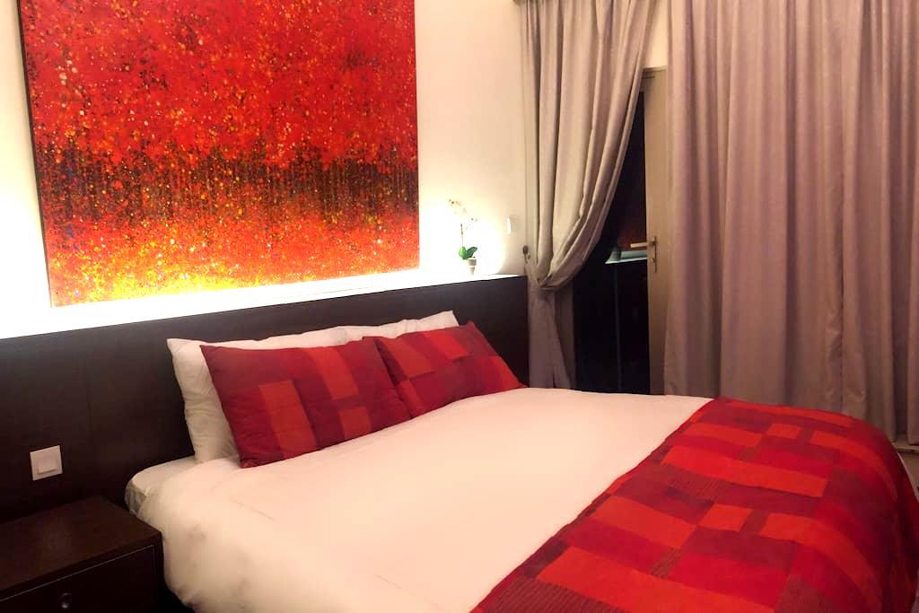 Luxurious 'home' away from home! - Hong Kong Island - Condominium
