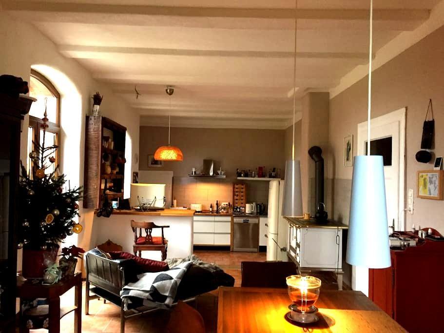 Schöne Zimmer im modernisierten Haus auf dem Land - Nordsehl - Haus