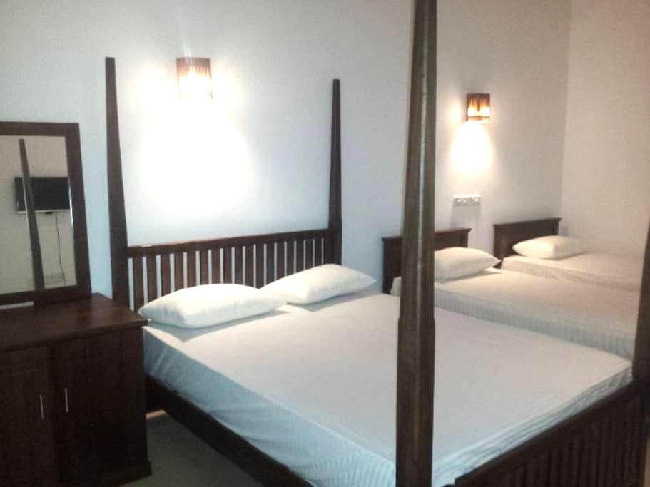 deluxe family room - Hambantota - Bed & Breakfast