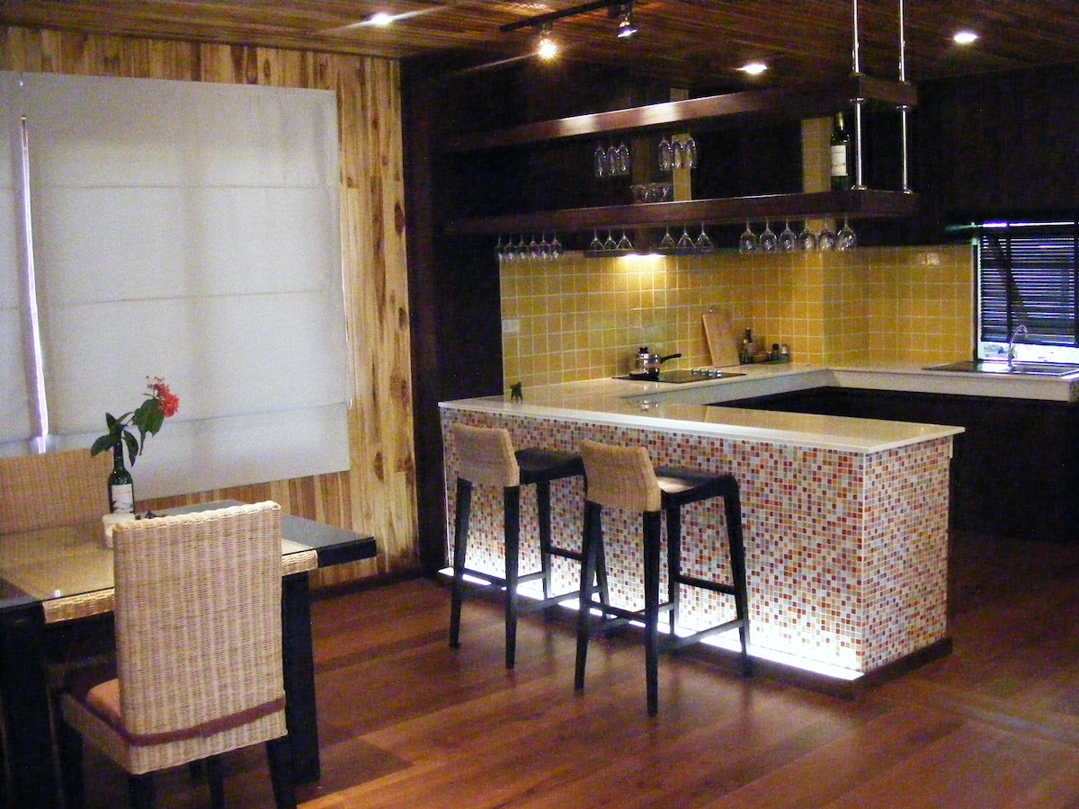 Modern designed kitchen & dining area