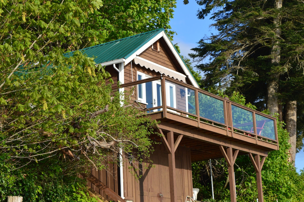 Mill Bay Shores Bed and Breakfast