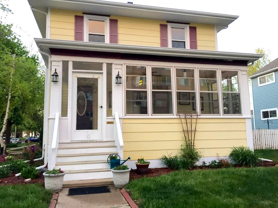 Downtown Historic Home - Sioux Falls - Talo
