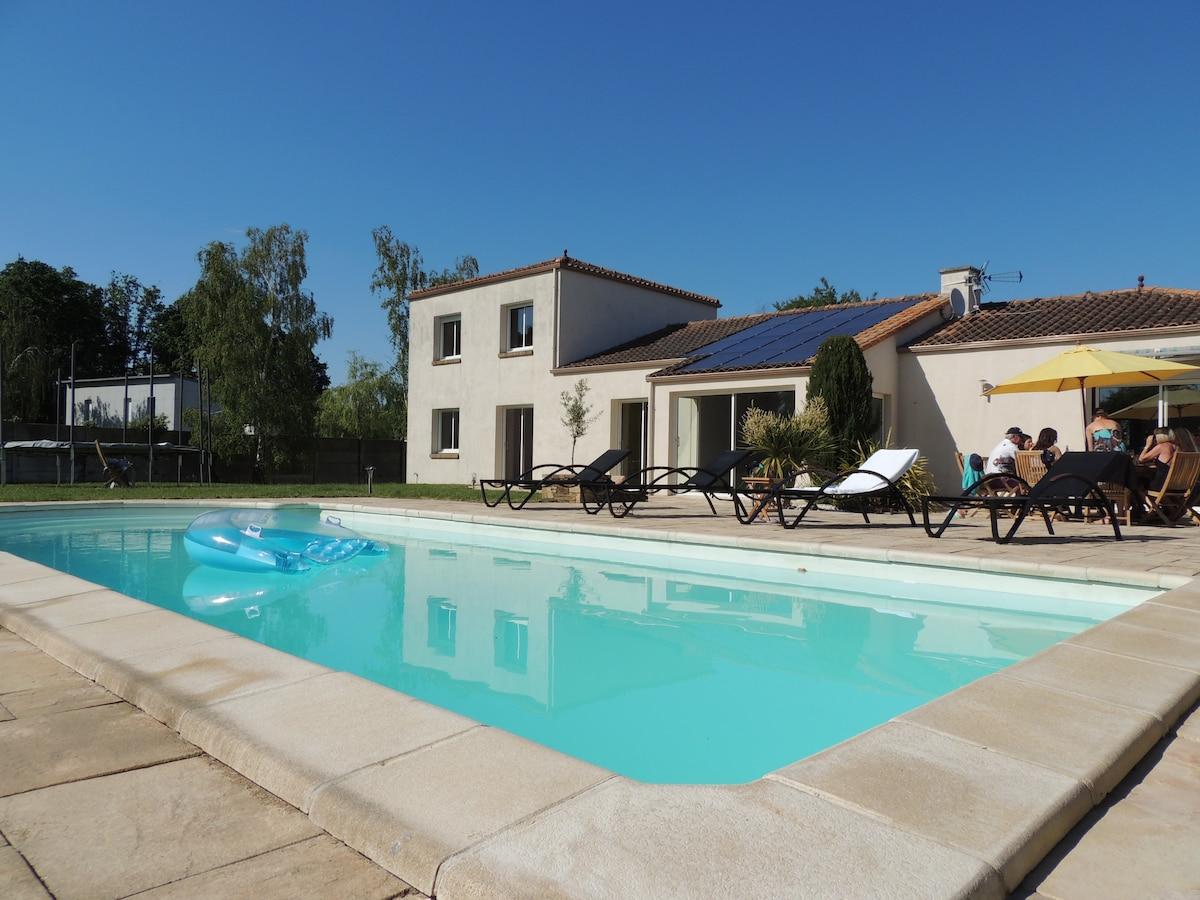 Villa Du Lac De Grand Lieu  Maisons  Louer  La Chevrolire Pays