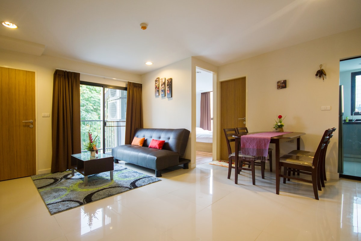 HUGE/NEW 50-sqm ONE-BED FLAT (ZP#1)