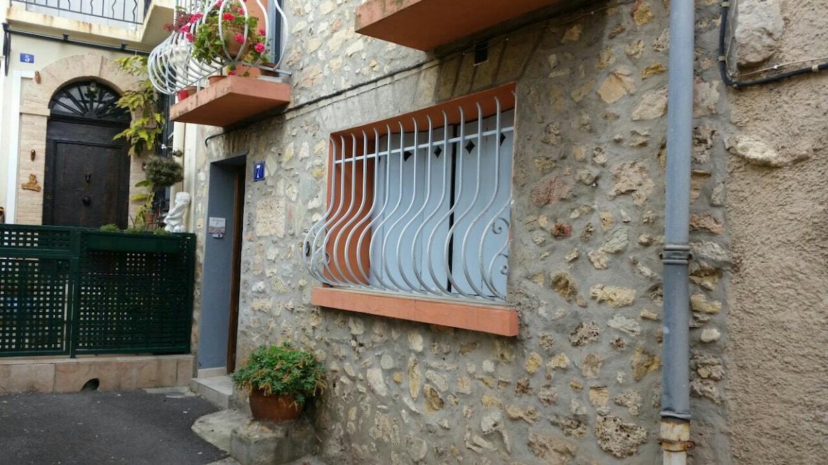 monolocale villaggio vicino Cannes
