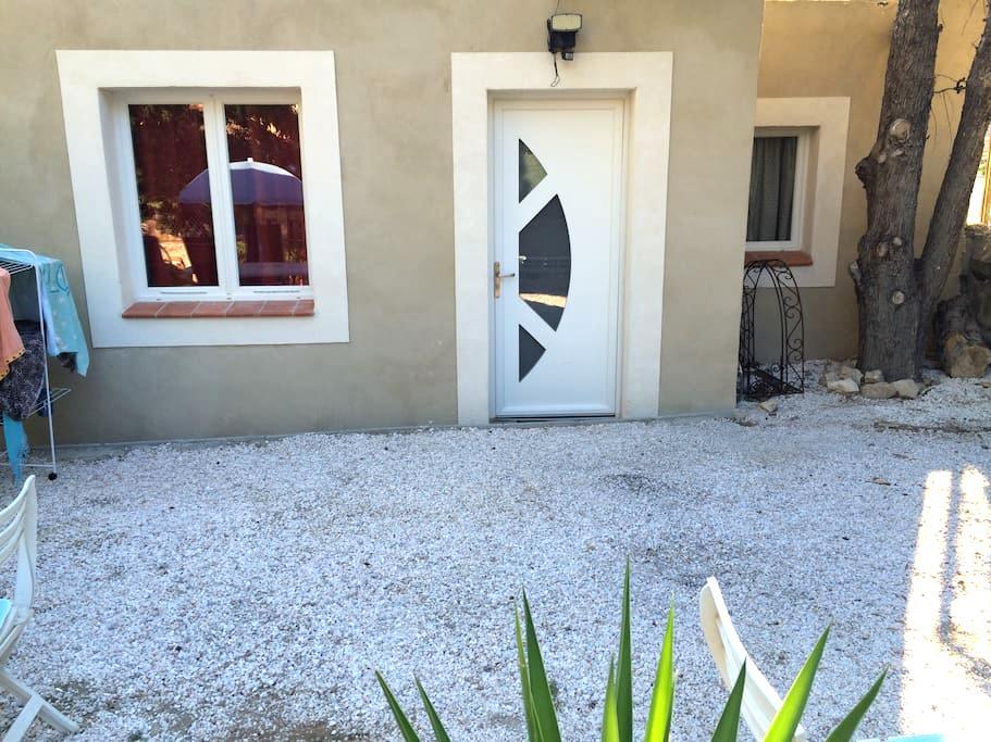 Studio au pied des Calanques, mer et nature - Marseille - House