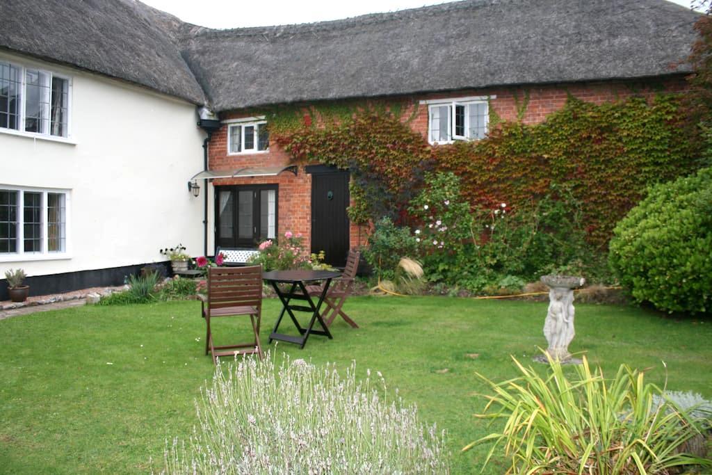 Gills, a thatched Devon longhouse - Craddock - Casa