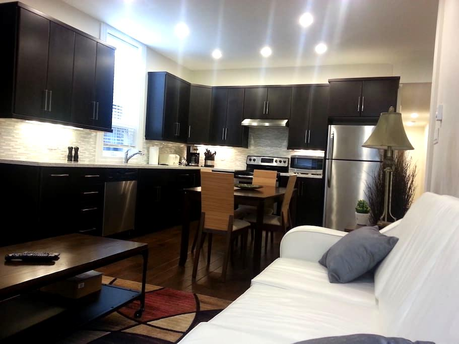 Top floor Apartment on Water Street - St. John's - Apartment