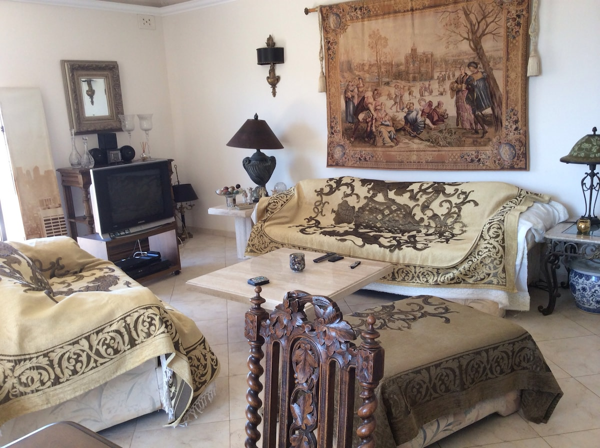 LUXURY HOME STAY IN THE CENTER