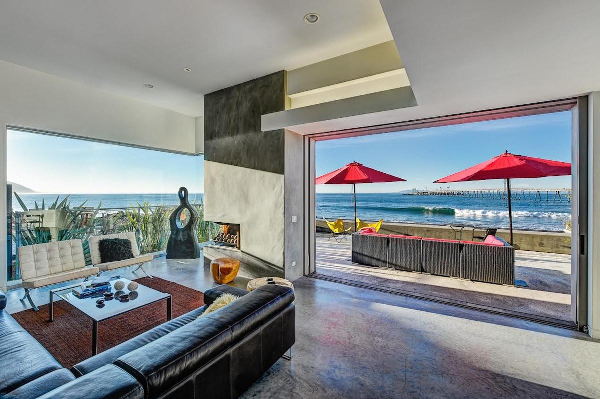 3BR Designer Oceanfront Home