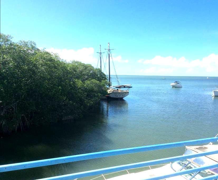 Cozy Waterfront Apartment - Key Largo