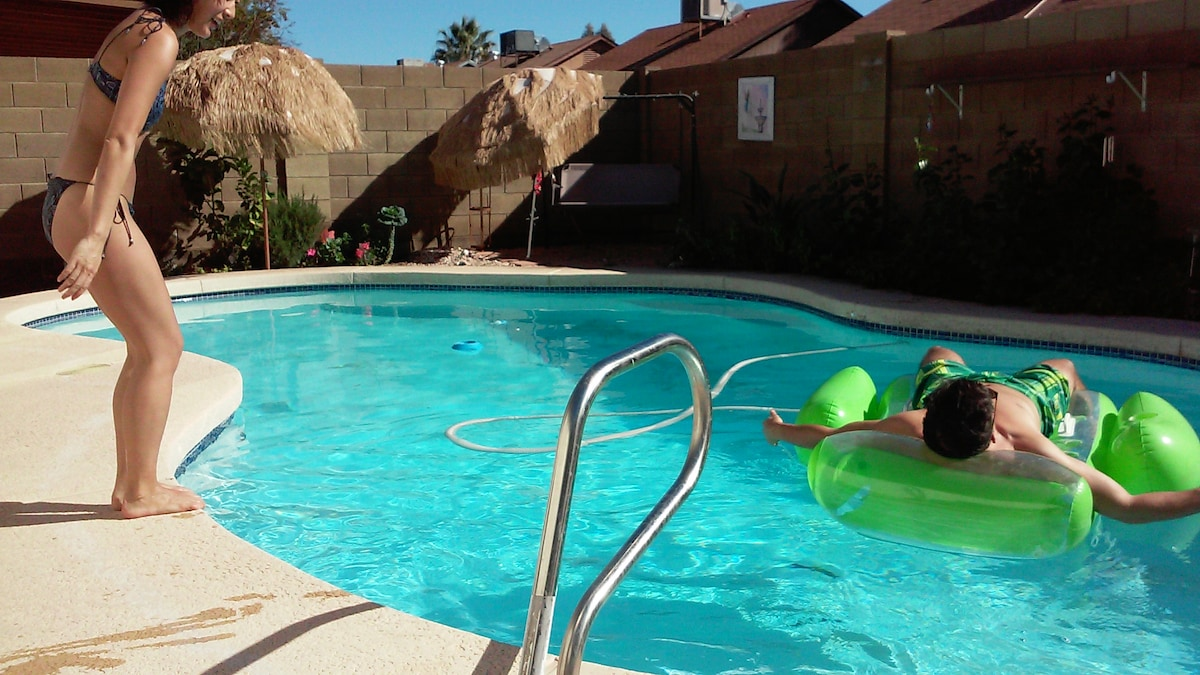 NEXT 2 WKS ONLY $28! Pool, Big Bed
