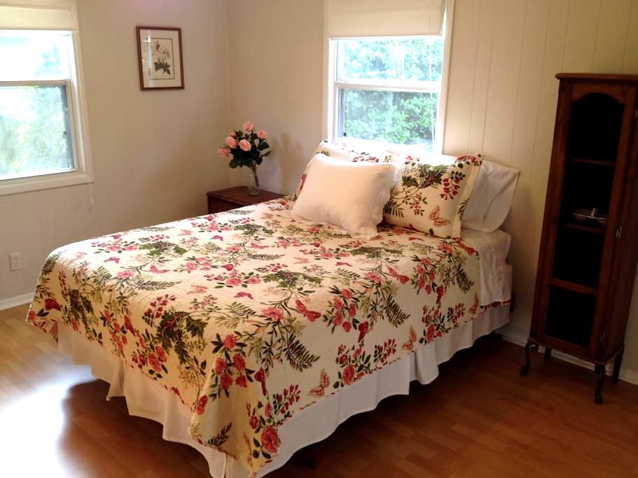 Charming House in Keystone Heights - Keystone Heights