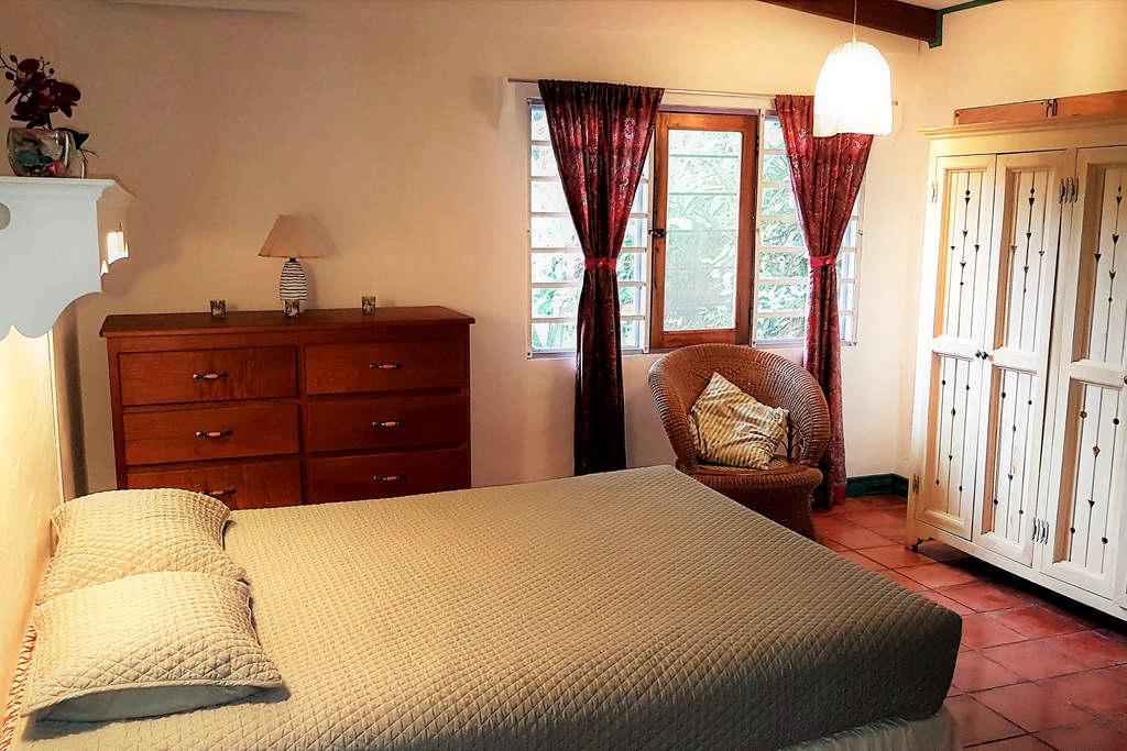 Apartamento # 1, Casa Amarilla, Front Ocean View - Esterillos Este