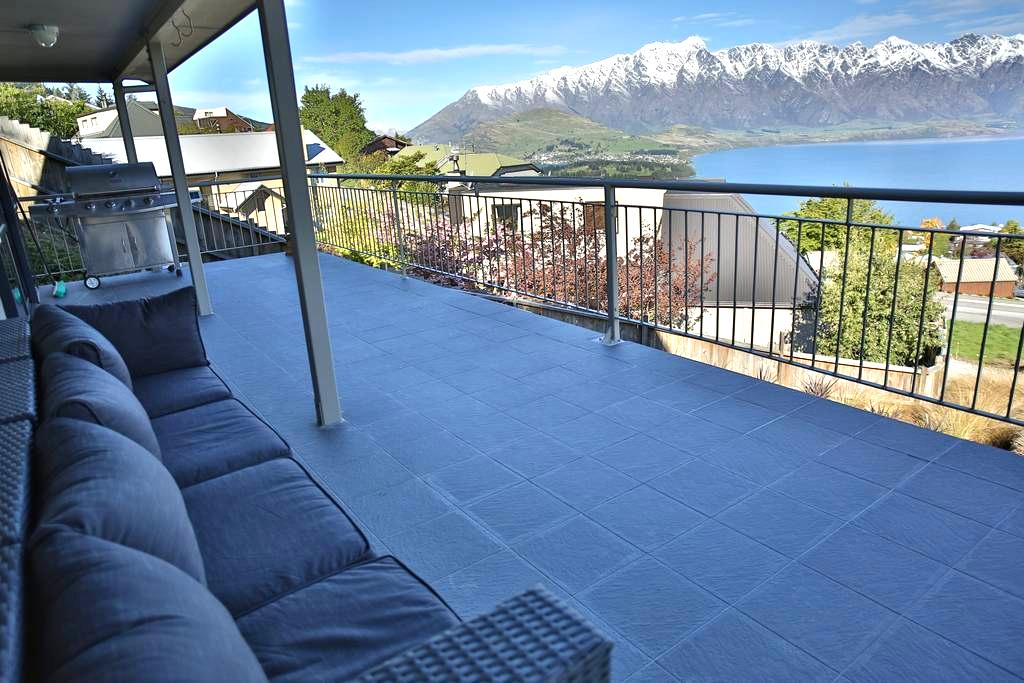 Room with Fantastic view Mtn @ Lake - Queenstown - Bed & Breakfast