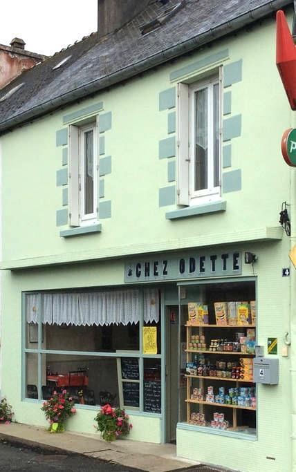 Mael-Carhaix - quiet Brittany town - Maël-Carhaix