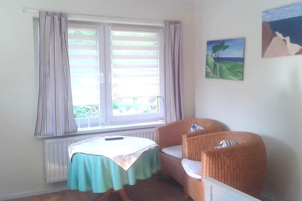 Gemütliche Ferienwohnung in Putbus auf Rügen - Putbus - Apartment