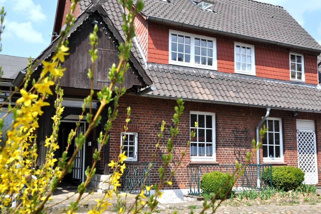 Großes Haus mit Garten vor Hamburg - Bispingen