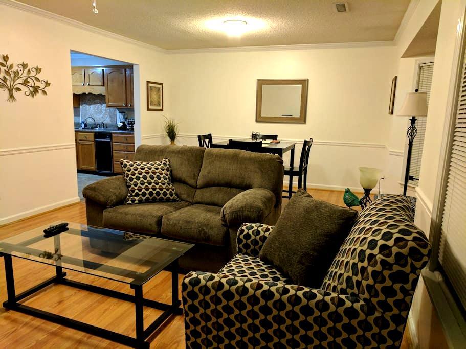 Condo with King: 2 bedroom in quiet community - Calhoun - Lyxvåning