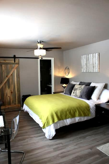Bighorn Lodge- Sputnik Suite: A Private Retreat - Silverthorne - House