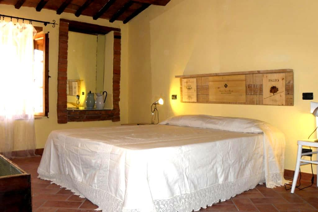 28KM to Siena charming apartment - Asciano - Apartment