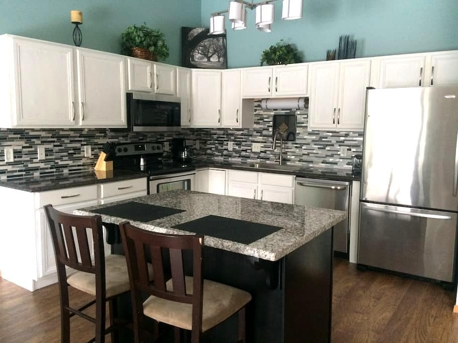 Gorgeous Townhouse with Double Garage, Great local - Sioux Falls - Szeregowiec